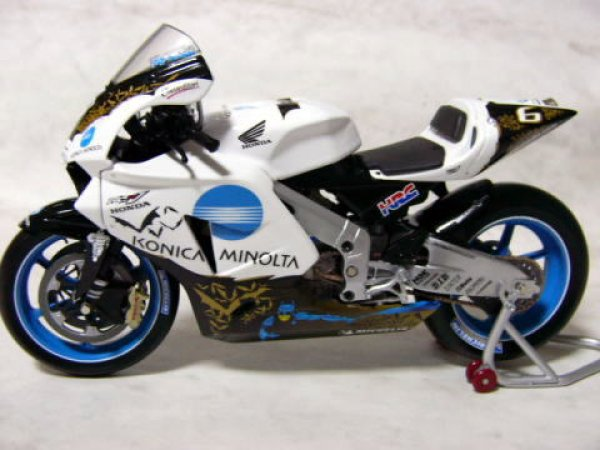 Photo1: 1/12 Honda RC211V'05 Batman Specification Decal (1)