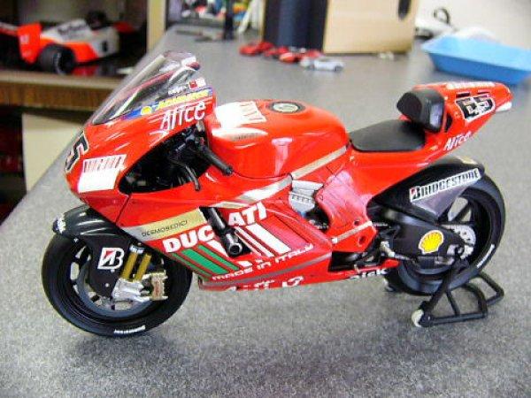 Photo1: 1/12 Ducati Desmo '07 bar&Tobacco Decal (1)